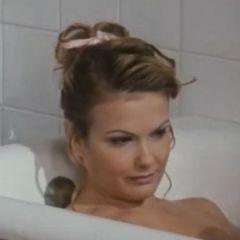 Retro porno met Anita Rinaldi; anale sex in de badkamer