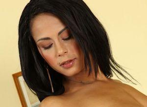 Isabella Chrystin en Gina Devine, massages en seks