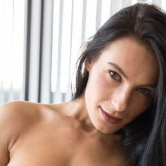 Lexi strakke sportschoolvrouw is uitgebreid aan het masturberen