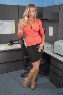 Samantha Saint, geile blonde secretaresse