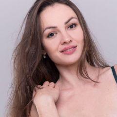 De casting van Darya Sweet, ze gaat helemaal naakt
