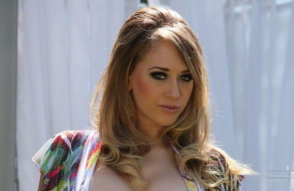Kagney Linn Karter, geile luxe huisvrouw heeft seks nodig