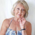 Knappe vrouw van 70 gaat ervoor