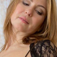 Lekkere mature vrouw, 52 jaar, wil samen geil zijn, leeftijd is onbelangrijk