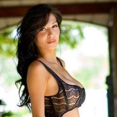 Jenny Milstead, Playboy beauty heeft prachtige lingerie aan