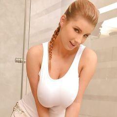 Katerina Hartlova, grote tieten, heeft seks met de echtgenoot van haar zus
