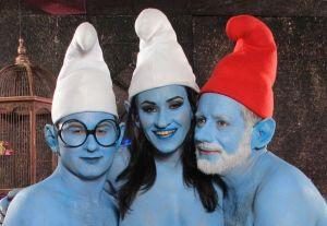 Trio met smurfin en twee smurfen
