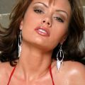 Crissy Moran, bikini mevrouw met grote tieten