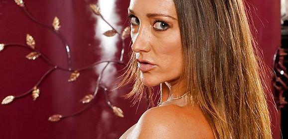 Michelle Lay en Randi James, twee geile milfen hebben lesbische seks