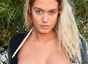 Athena Palomino, geile stiefzus heeft seks met stiefbroer