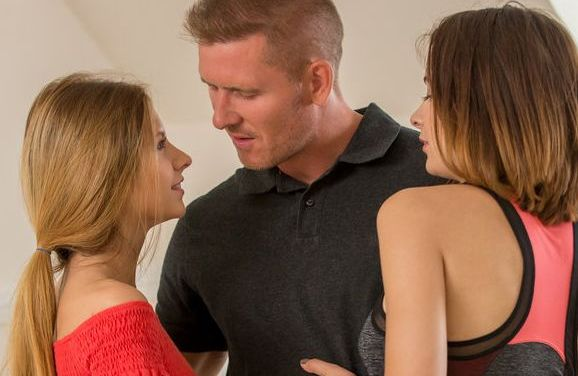 Een erotisch trio met Rebecca en Viktoria