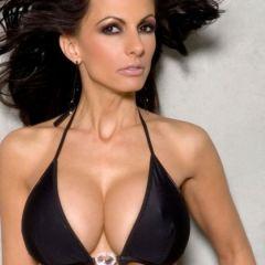 Catalina Cruz, dikke neptieten en sexy lingerie, laat graag haar kutje zien