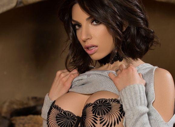 Naakte Vrouwen, van sexy lingerie en benen wijd tot een strakke catsuit