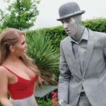 Alessandra Jane wordt geneukt door een levend standbeeld