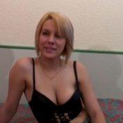 Een knappe Franse vrouw met mooie tieten wordt geneukt 🎥