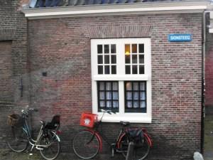 Sionsteeg in De Camp. Deze wijk is anno 2013 een 'dure' en prettige wijk.