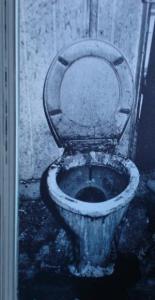 De wc in een Amsterdamse opiumkit