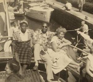 Zwarte Lola, tijdens een boottochtje in 1950