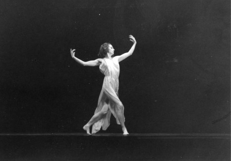 Image: 0183935533, License: Rights managed, Restrictions: None of these images can be used for advertising purposes without prior written permission. To clear UK use telephone: 44 (0)20 7403 8542, FIVE BRAHMS WALTZES in the Manner of Isadora Duncan ; Lynn Seymour ; Choreographed by Ashton ; performed at the 50th Anniversary of the Rambert Dance Company, London, UK ; 1976 ;, Place: United Kingdom, Model Release: No or not aplicable, Credit line: Profimedia.com, Topfoto