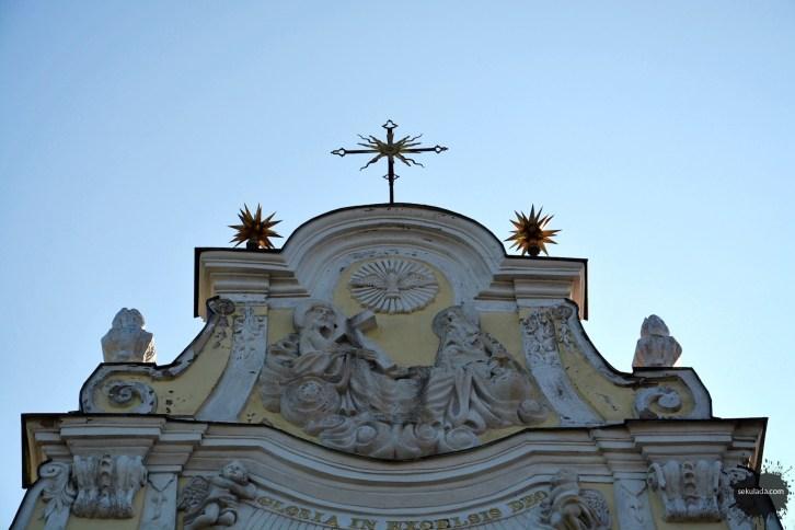 Fasada kościoła Świętej Trójcy i NMP, Strzelno