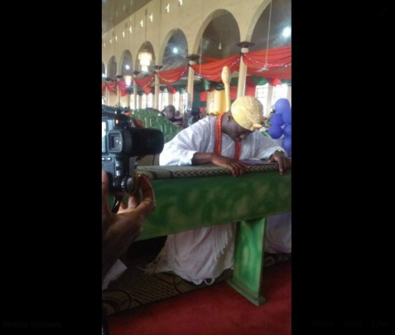 Ooni-Of-Ife-Blasted-For-Kneeling-In-Church