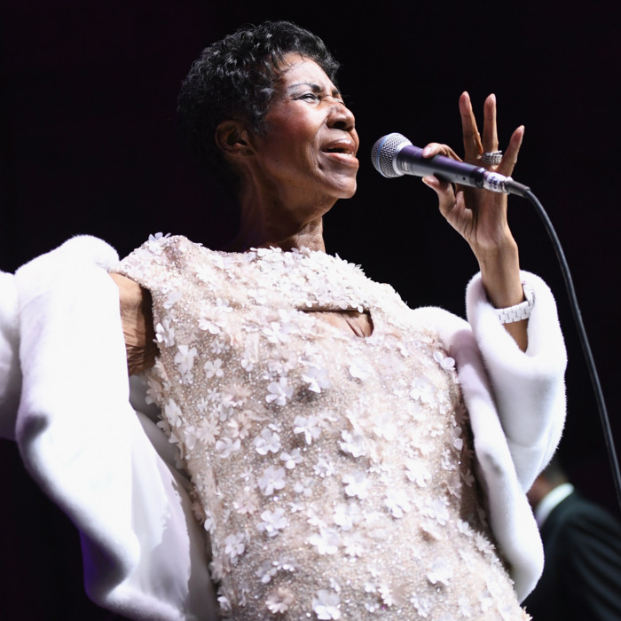 Aretha Franklin Dies Shortly After Detroit Church Holds Prayer Vigil