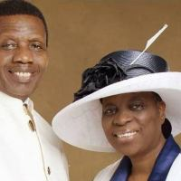 Pastor Adeboye Praises Wife - Stirs Debate On Marriage & Submission