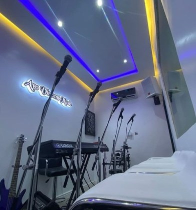 ayo vincent music studio 2