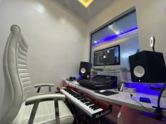 ayo vincent music studio 5