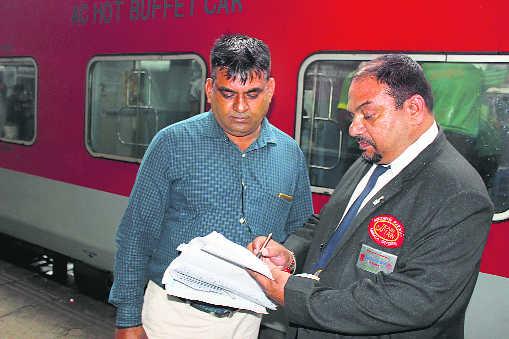 Kapten Kereta Palsu di India