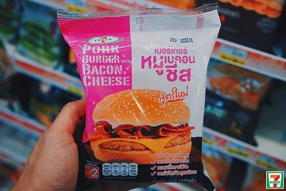Makanan 7-11 thailand yang wajib dibeli burger