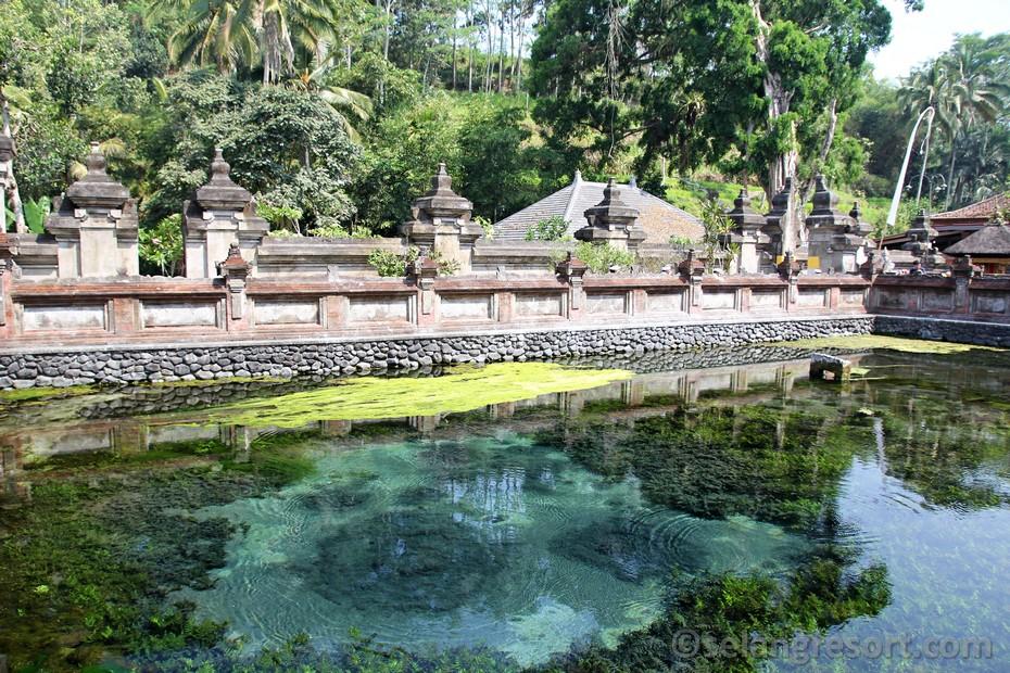 Tirta Empul holy springs Ubud Bali
