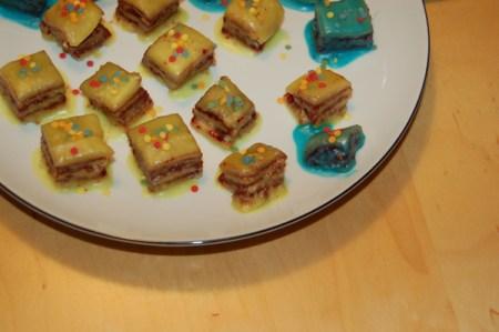 kleines gebäck, rezept für petits fours, süßes fingerfood