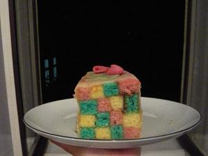 Farbenfroher Battenbergkuchen