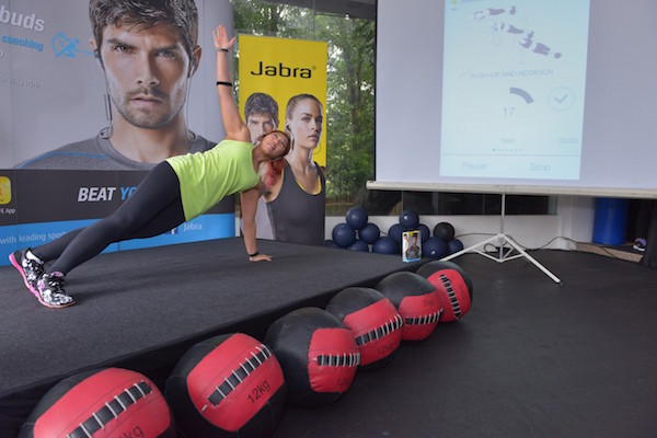 Linora Going Through Her Workout With Support from the Jabra Sport Coach (pic2 )(s)