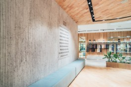 kith-hawaii-store-inside-air-force-1-14
