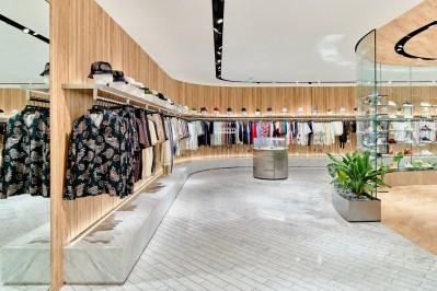 kith-hawaii-store-inside-air-force-1-15