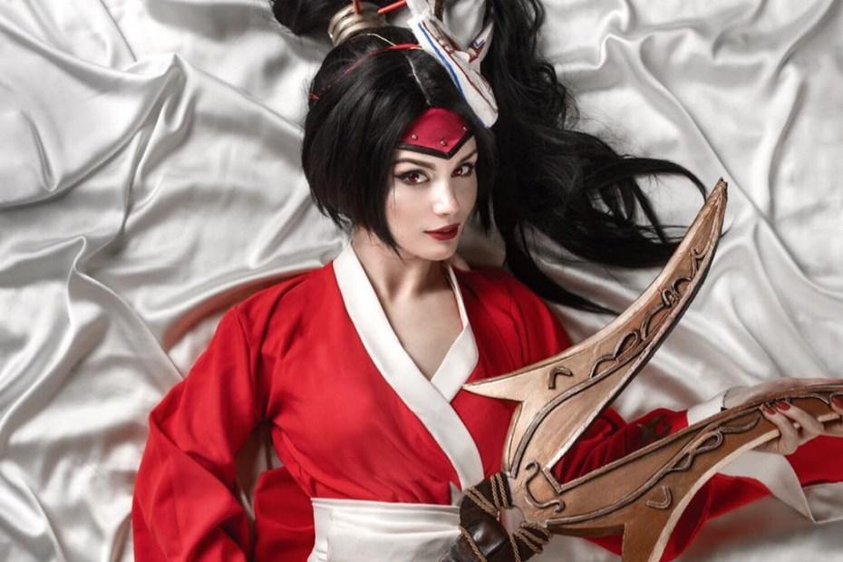 Akali Lua Sangrenta - League of Legends - Blood Moon Cosplay Topo