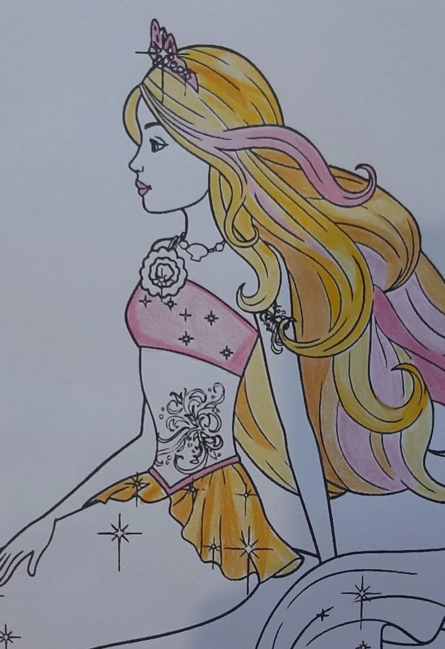 Barbie Sereia - Colorindo um desenho com lápis de cor tradicional - Cabelos longos 004