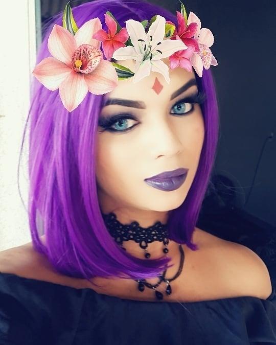 Lindo cosplay da Ravena 03 - Com coroa de flores