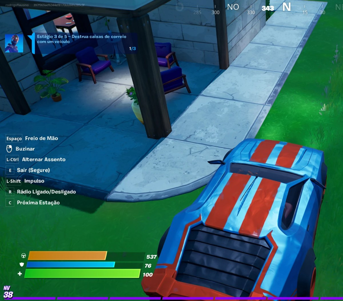 Guia de Fortnite - Destruindo uma caixa de correio com um carro 01