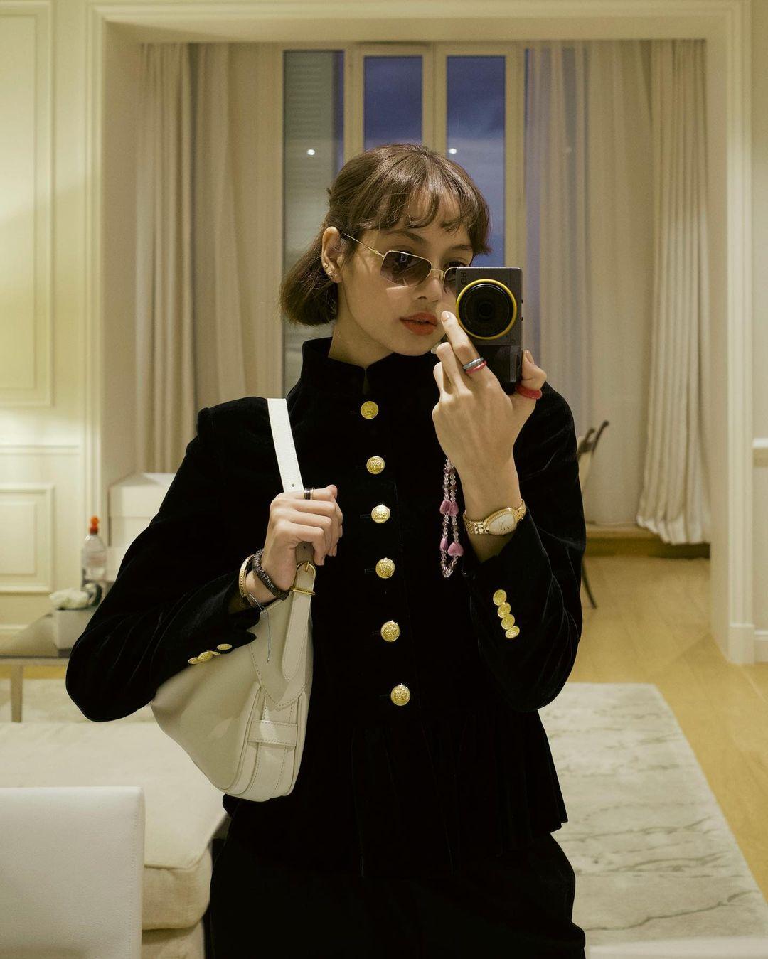 LISA - Blackpink - Nova selfie com glamour