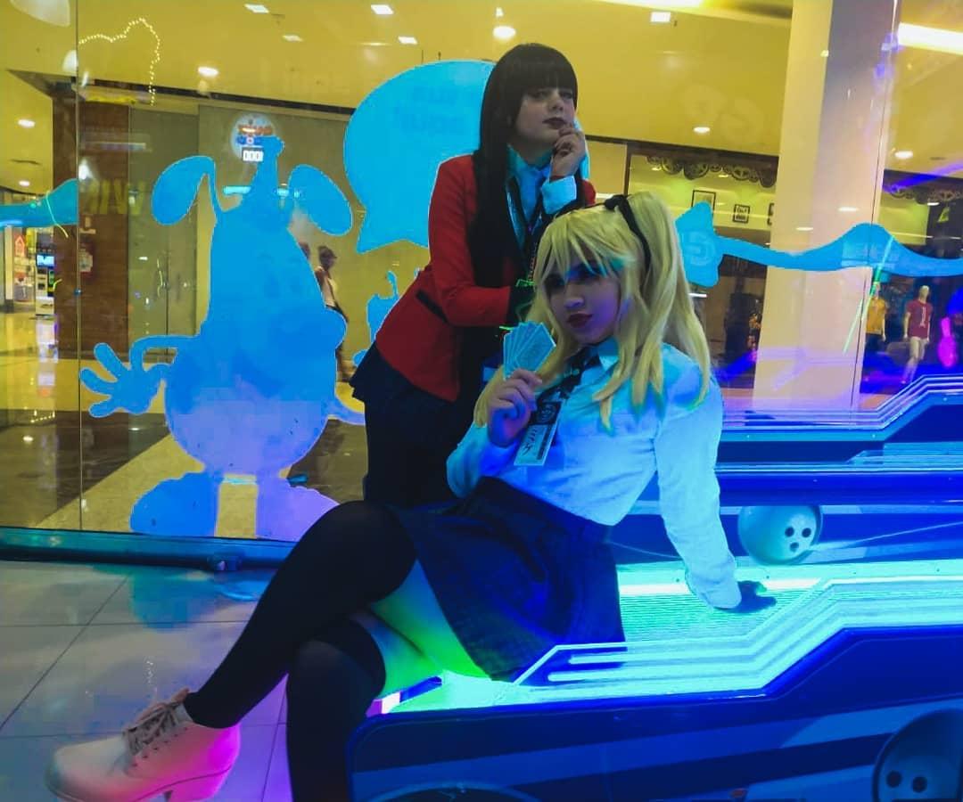 Mary Saotome e Yumeko Jabami - Cosplays de Kakegurui 01