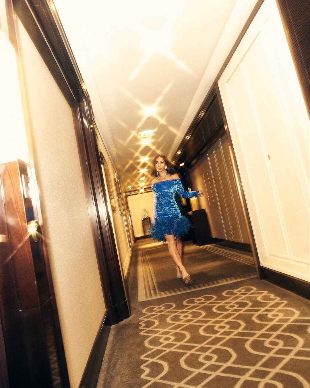 Sabrina Sato Vestido azul Glamour 03