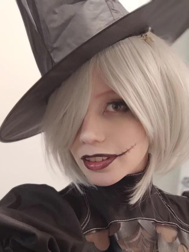 Nier Automata – Belo cosplay da 2B (Versão de Halloween)