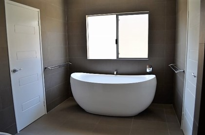 freestanding-bath