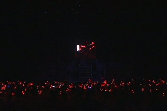 Morning Musume 9 Smile Tour Red Glowsticks