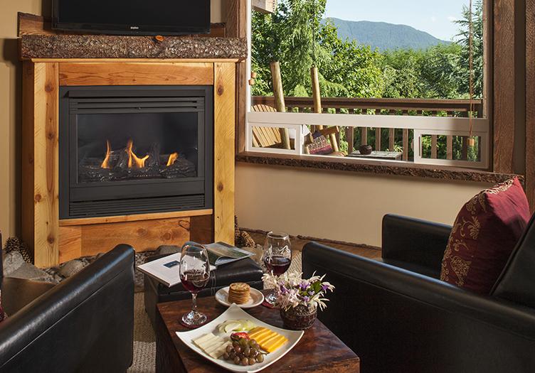 4-Carson_Ridge_Luxury_Cabins_2_-_Interior