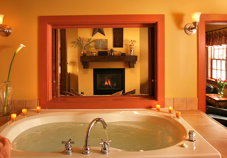 whirlpool tub for two at woolverton inn