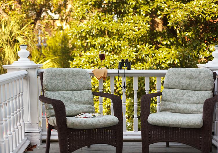 Azalea Inn porch with chairs